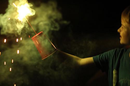 sparklers-safety-tips