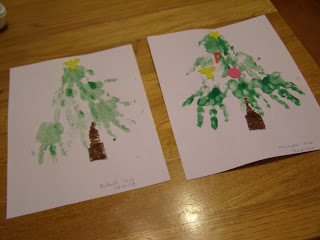 handprint-christmas-tree