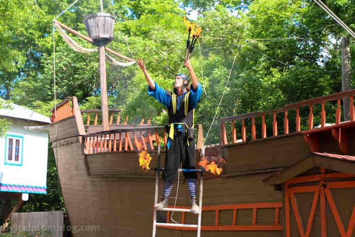 scarborough faire renaissance festival fire juggler