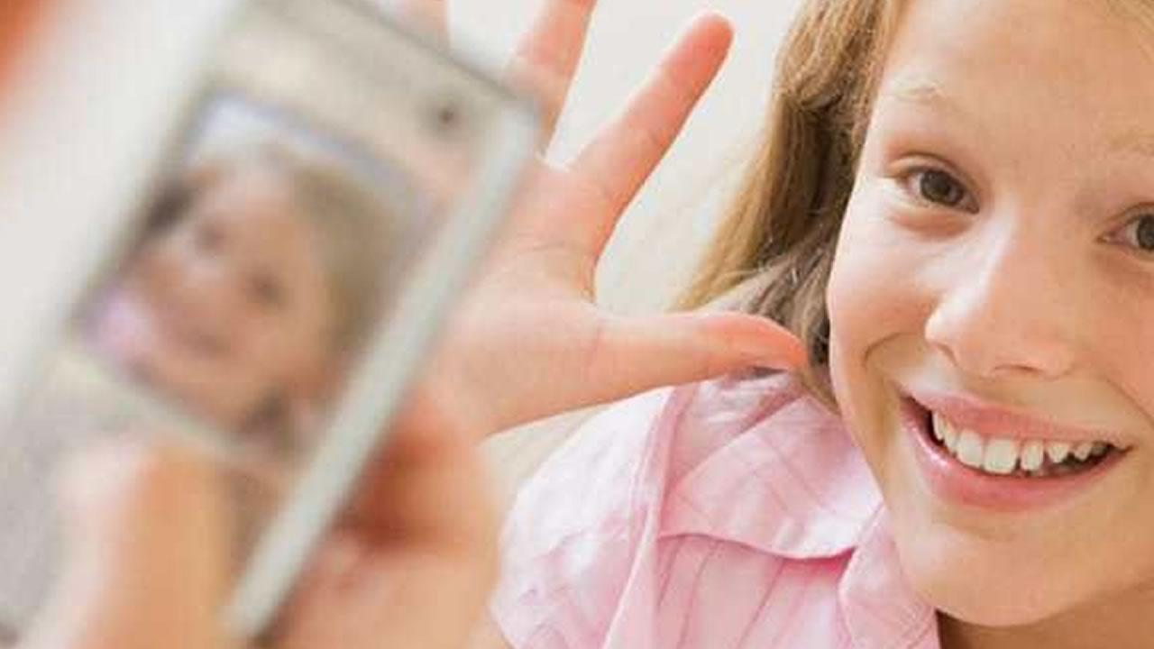 phone-etiquette-kids