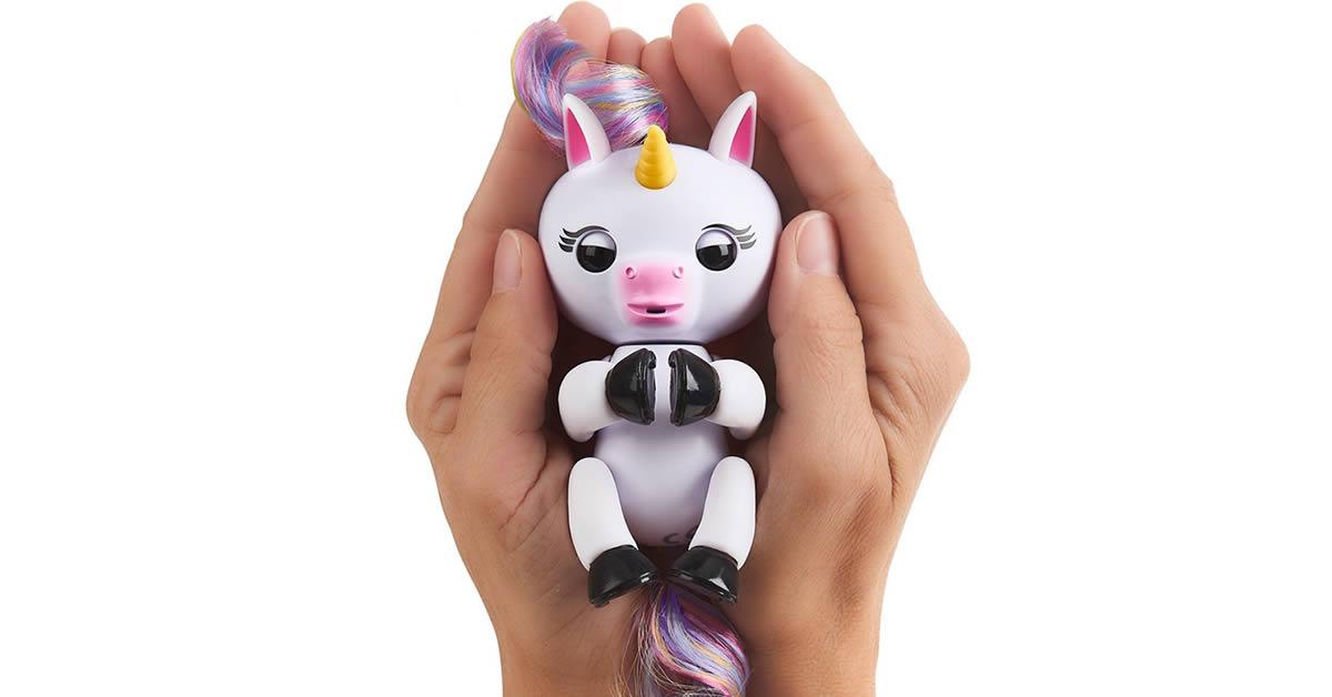 Gigi Unicorn Fingerlings Animated Toy