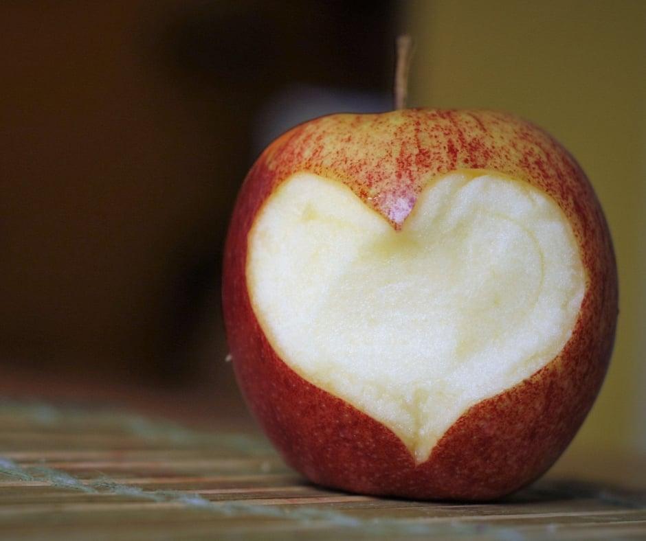nutrition apple shape of heart