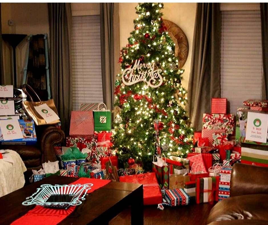 christmas morning family room