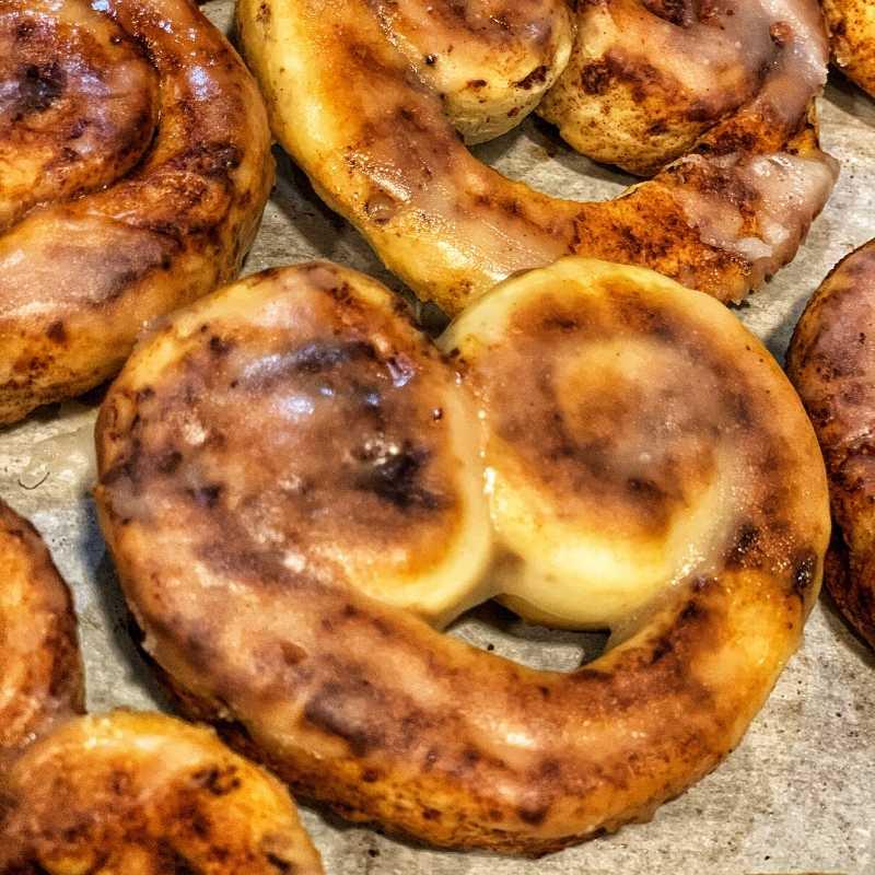 cook cinnamon roll hearts