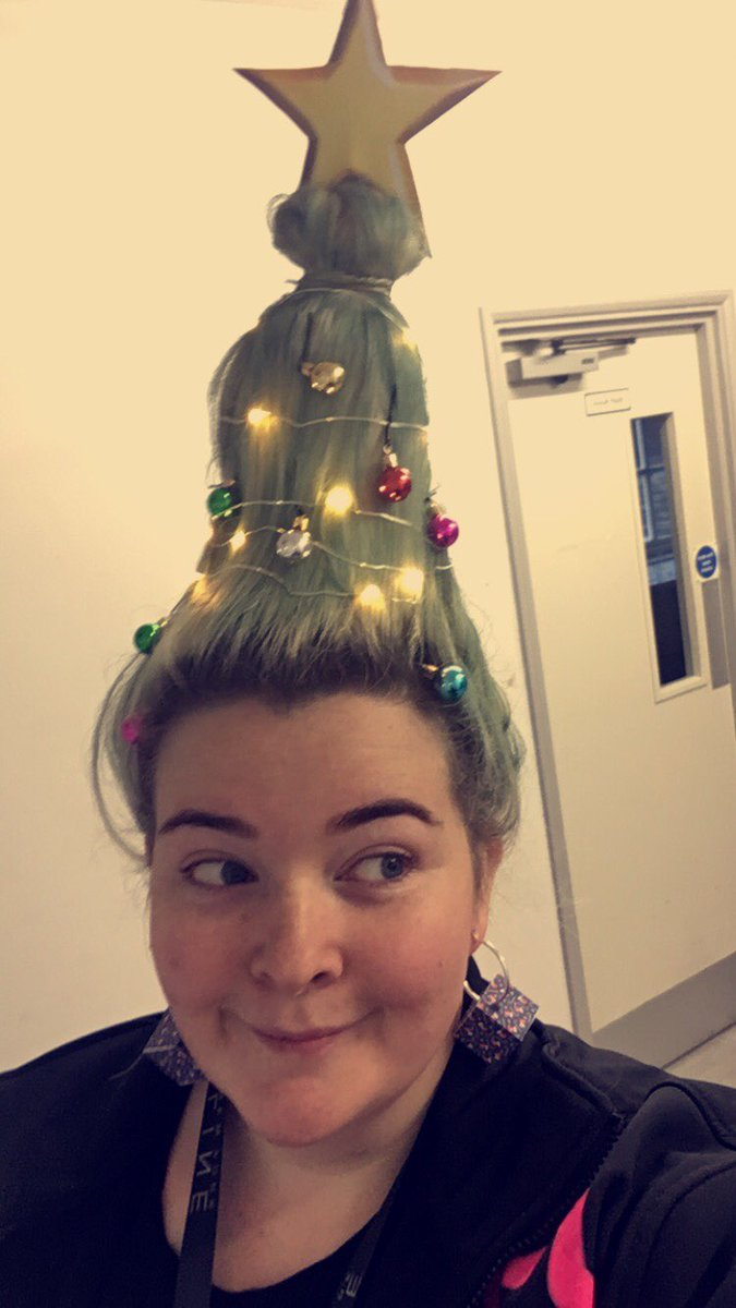 Green christmas tree hairstyles